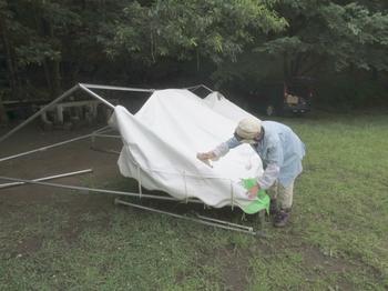 テント裏返して拭き取り洗い (2).jpg