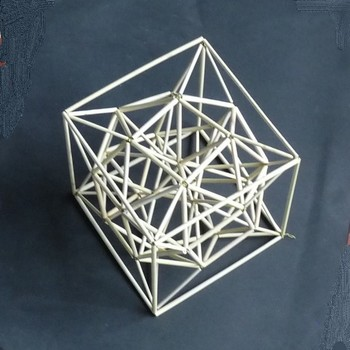 星形突起付き正6面体包み変形立方体.jpg