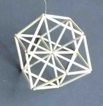 立方8面体で14面体(筋違入り).jpg