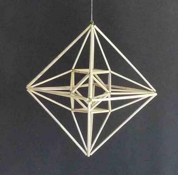 頂点を結び正8面体に収める.jpg