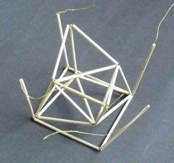 4角形の角から部材2を立ち上げる.jpg