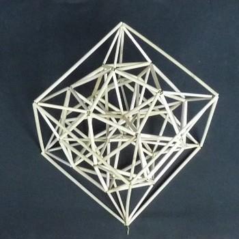 8角星を正6面体に内包2.jpg